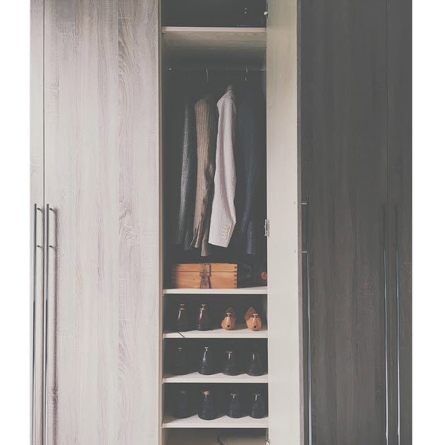 Well Organizez and Renovated Wardrobe Closet